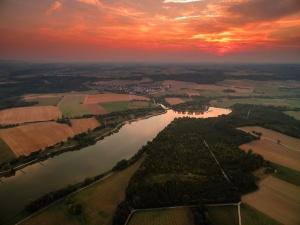 Sonnenuntergang am Bucher Stausee